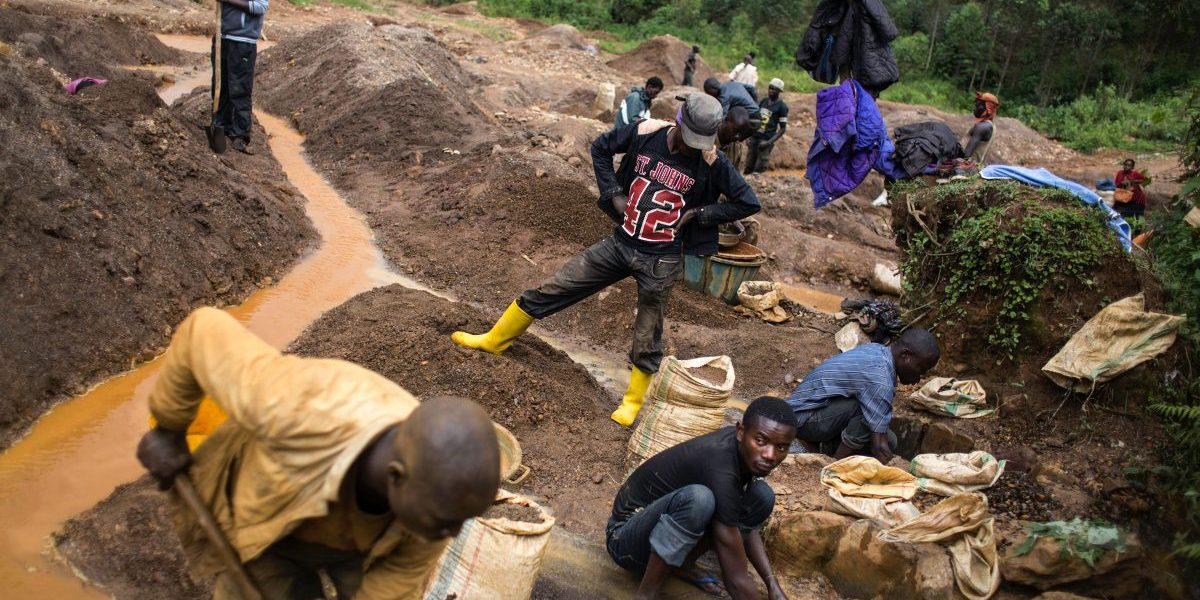 People working the Kalimbi cassiterite artisanal mining site north of Bukavu, east DRC, 2017. Image: Getty, Griff Tapper/AFP